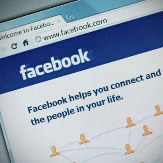 Người dùng tìm cách về lại giao diện cũ của Facebook